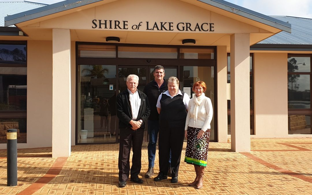 Shire of Lake Grace staff with Carol Redford of Astrotourism WA
